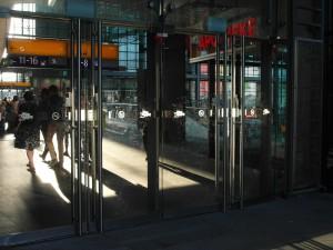 Hauptbahnhof Fingerspuren